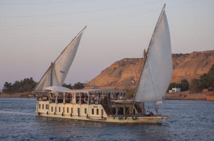 dahabiya nile sailing